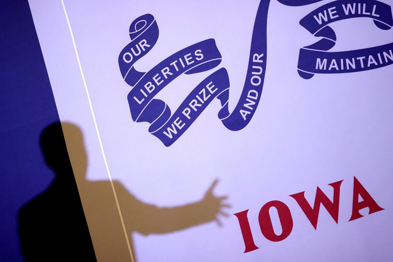 Democratic presidential candidate former South Bend, Indiana Mayor Pete Buttigieg speaks at a Meet the Candidate campaign event January 31, 2020 in Council Bluffs, Iowa.
