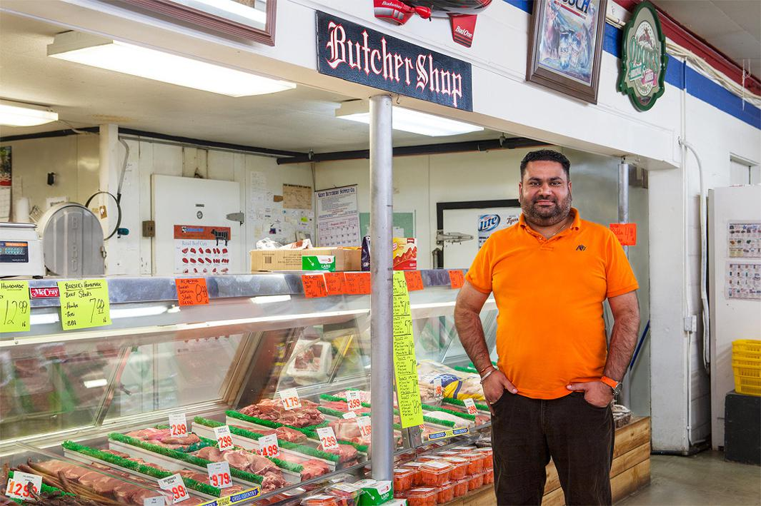 Raj, Bonser's Market. Located in the small village of Custer, Michigan (popularion 284), Bonser's is widely known for their home-made sausages. Rag sold a $13.3 million classic lotto winner in August, 2013 and received the maximum bonus commission which is $5,000 in Michigan.