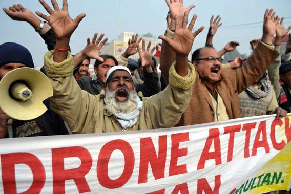 Pakistani demonstrators shout anti-US slogans during a protest in Multan on January 8, 2013, against the drone attacks in Pakistan's tribal areas.