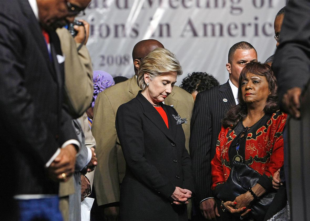 Hillary Clinton Praying