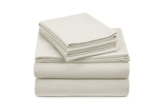 White Pinzon velvet flannel sheet set.