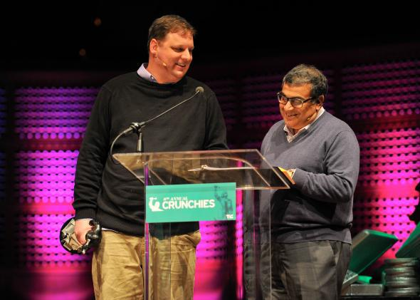 GigaOm founder Om Malik, right, presents an award at the 2015 Crunchies with TechCrunch founder Michael Arrington. Both founded their sites nearly a decade ago; only one is still standing.