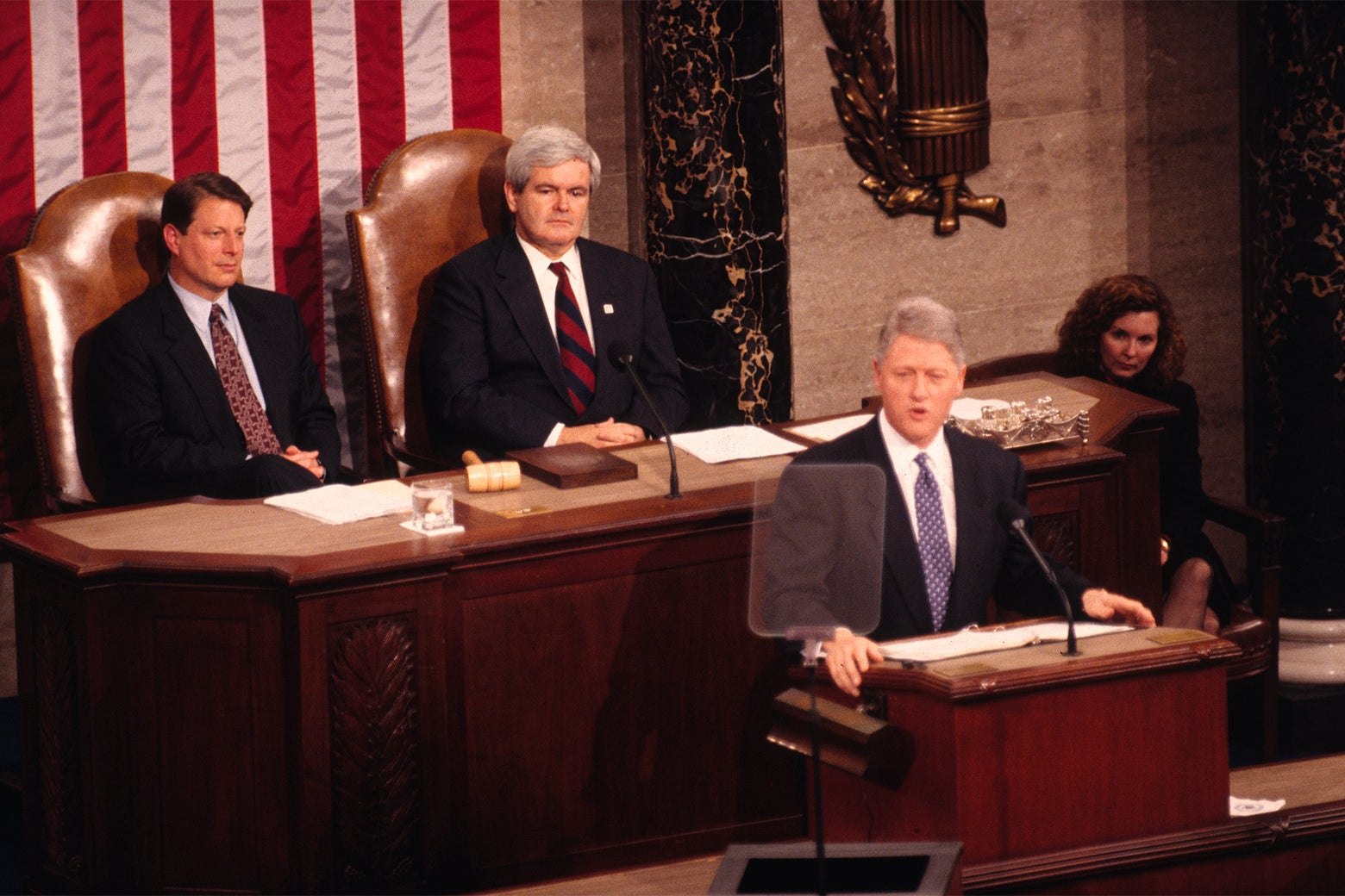 Presidemt Bill Climtom delivers his State of the Uniom address in 1995.