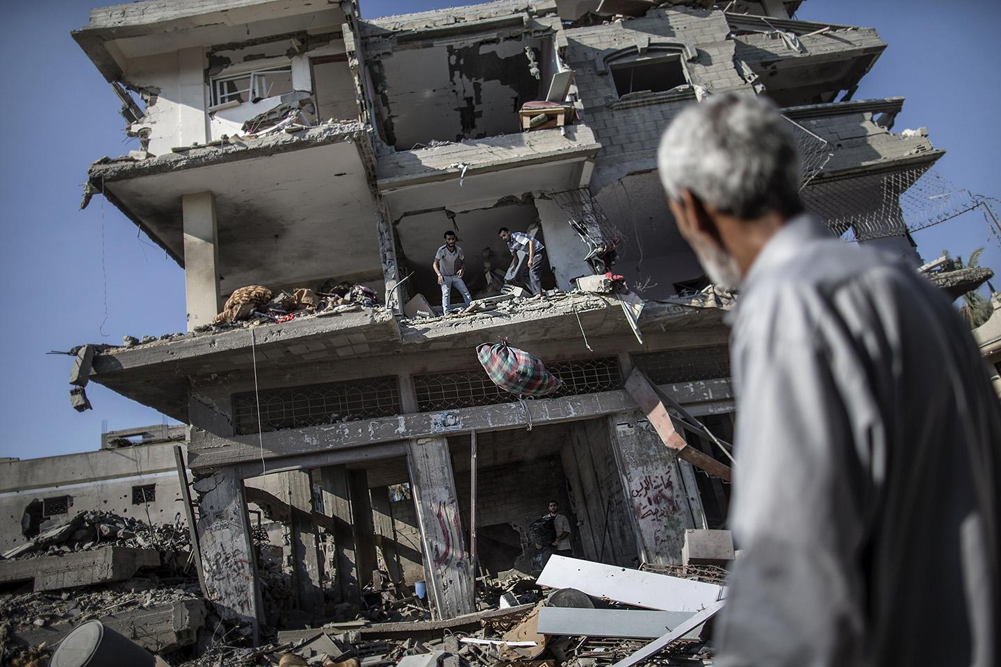 Gaza City as families returned to find their homes ground into rubble by relentless Israeli tank fire and air strikes.