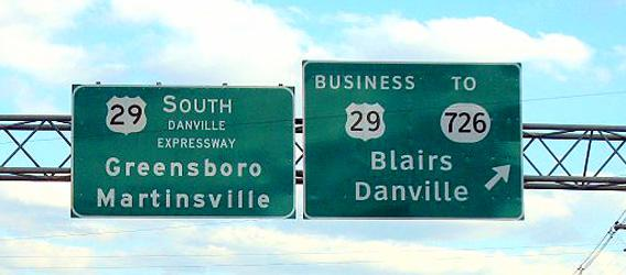 Clearview Font Signs. MPD01605 via Wikimedia Commons.