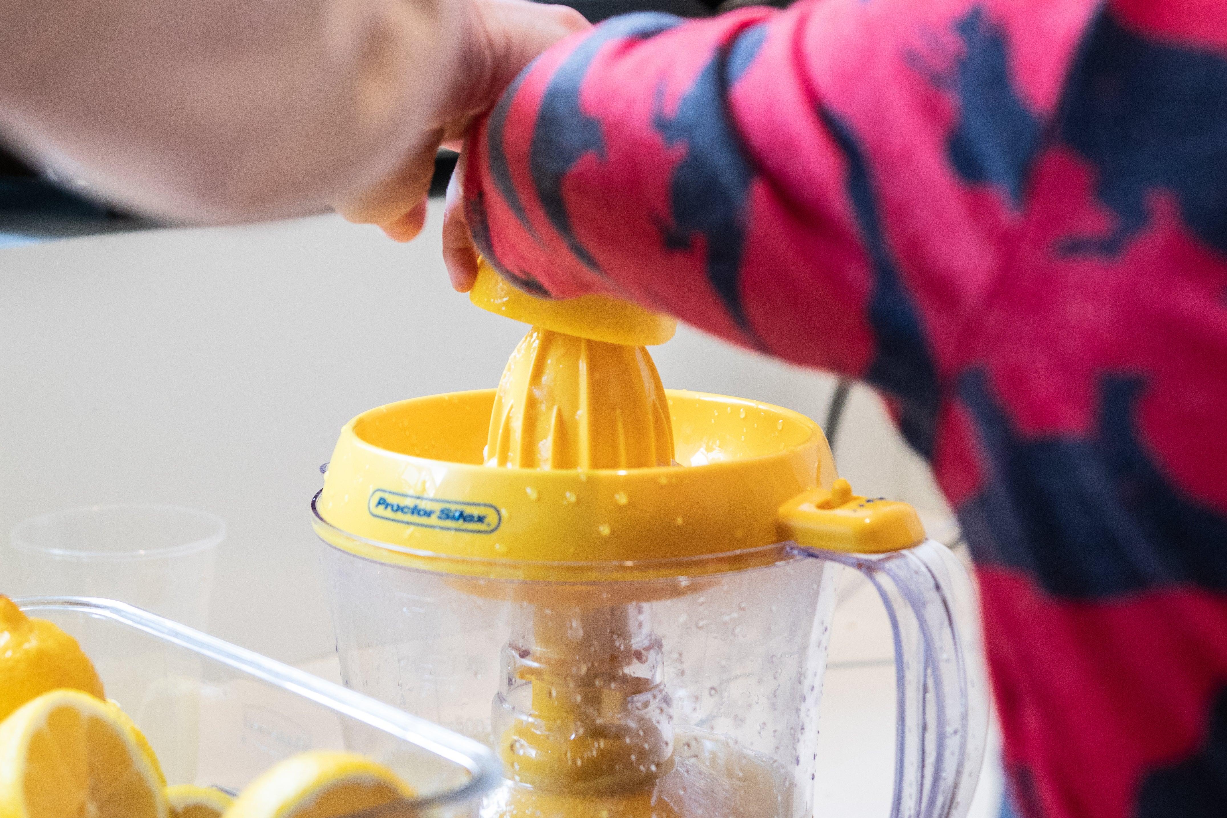 Proctor Silex Alex's Lemonade Stand Citrus Juicer
