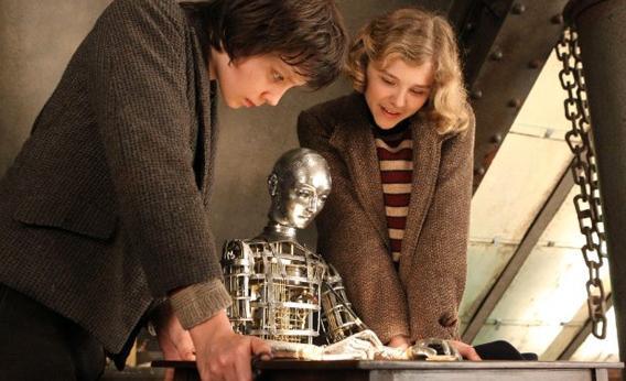 """Still of Chloë Grace Moretz and Asa Butterfield in """"Hugo."""""""