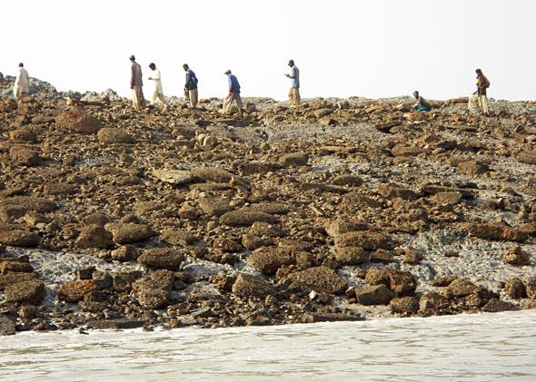 People explore new island off of Pakistan's Gwadar coastline