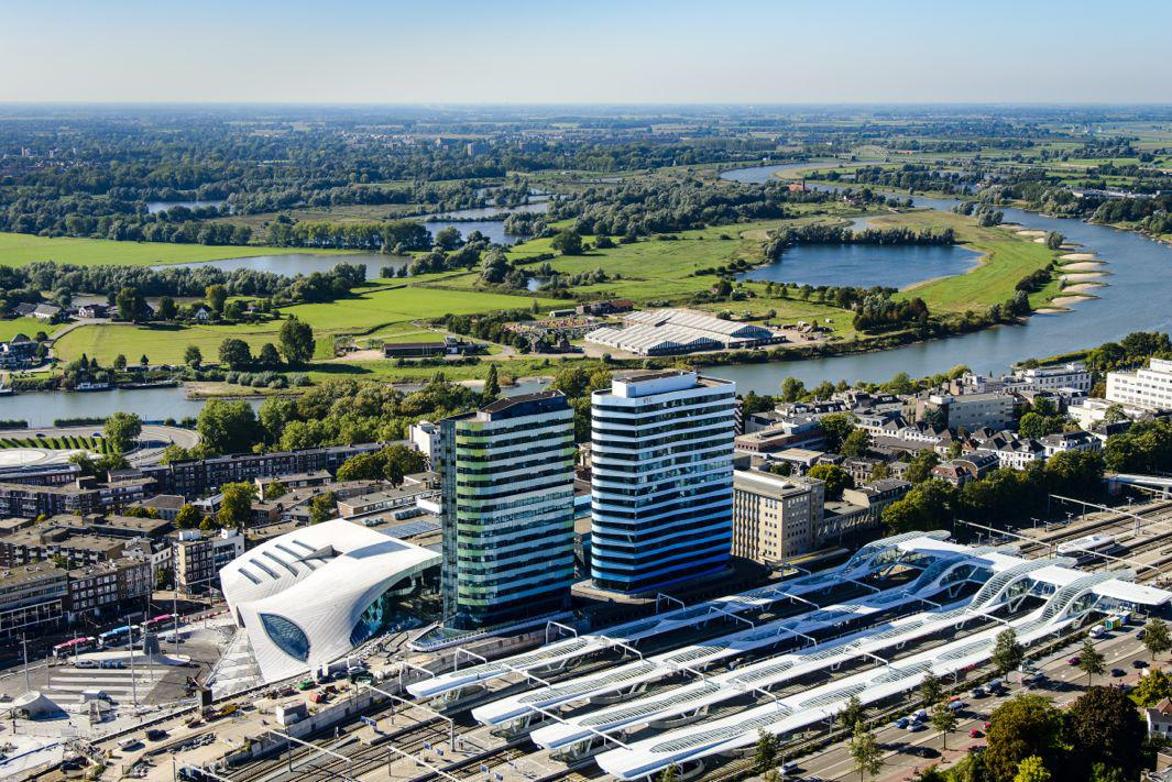 This New Dutch Transport Hub Still Looks Futuristic, Despite Being Planned 20 Years Ago