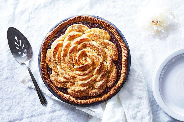 how to make a rose out of pie crust