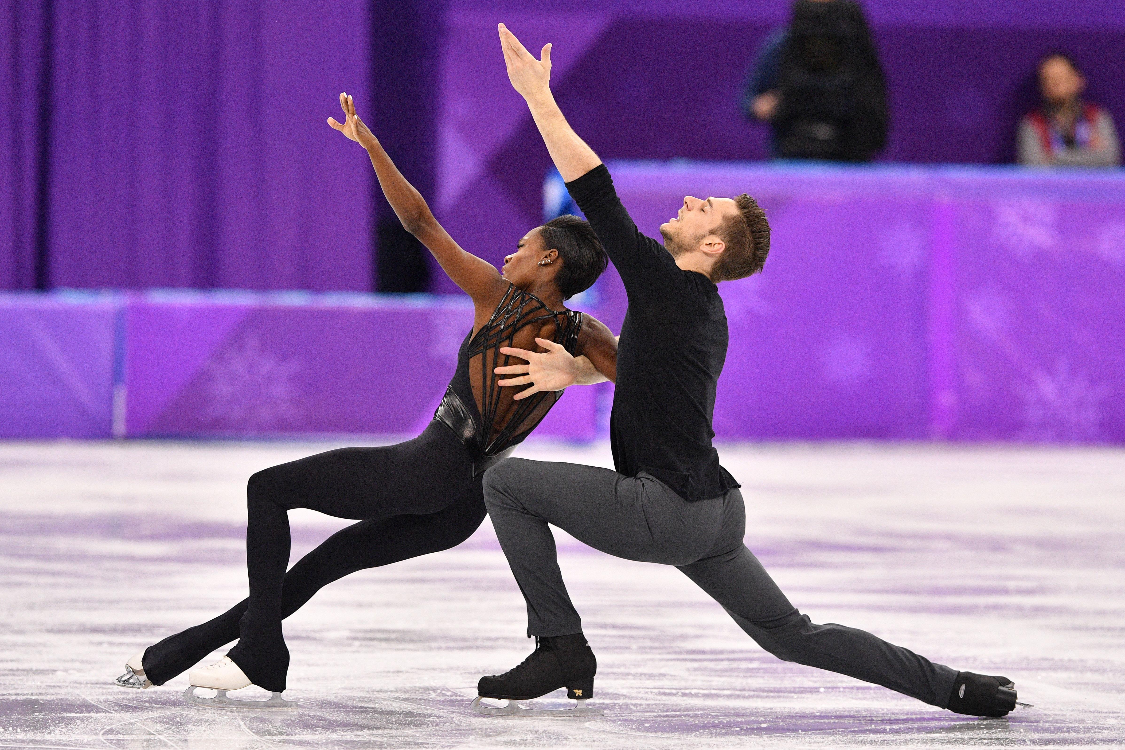 France's Vanessa James and France's Morgan Cipres compete in the pair skating free skating of the figure skating event during the Pyeongchang 2018 Winter Olympic Games at the Gangneung Ice Arena in Gangneung on February 15, 2018.  / AFP PHOTO / Mladen ANTONOV        (Photo credit should read MLADEN ANTONOV/AFP/Getty Images)