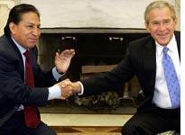 Peruvian President Alejandro Toledo with George Bush          Click image to expand.