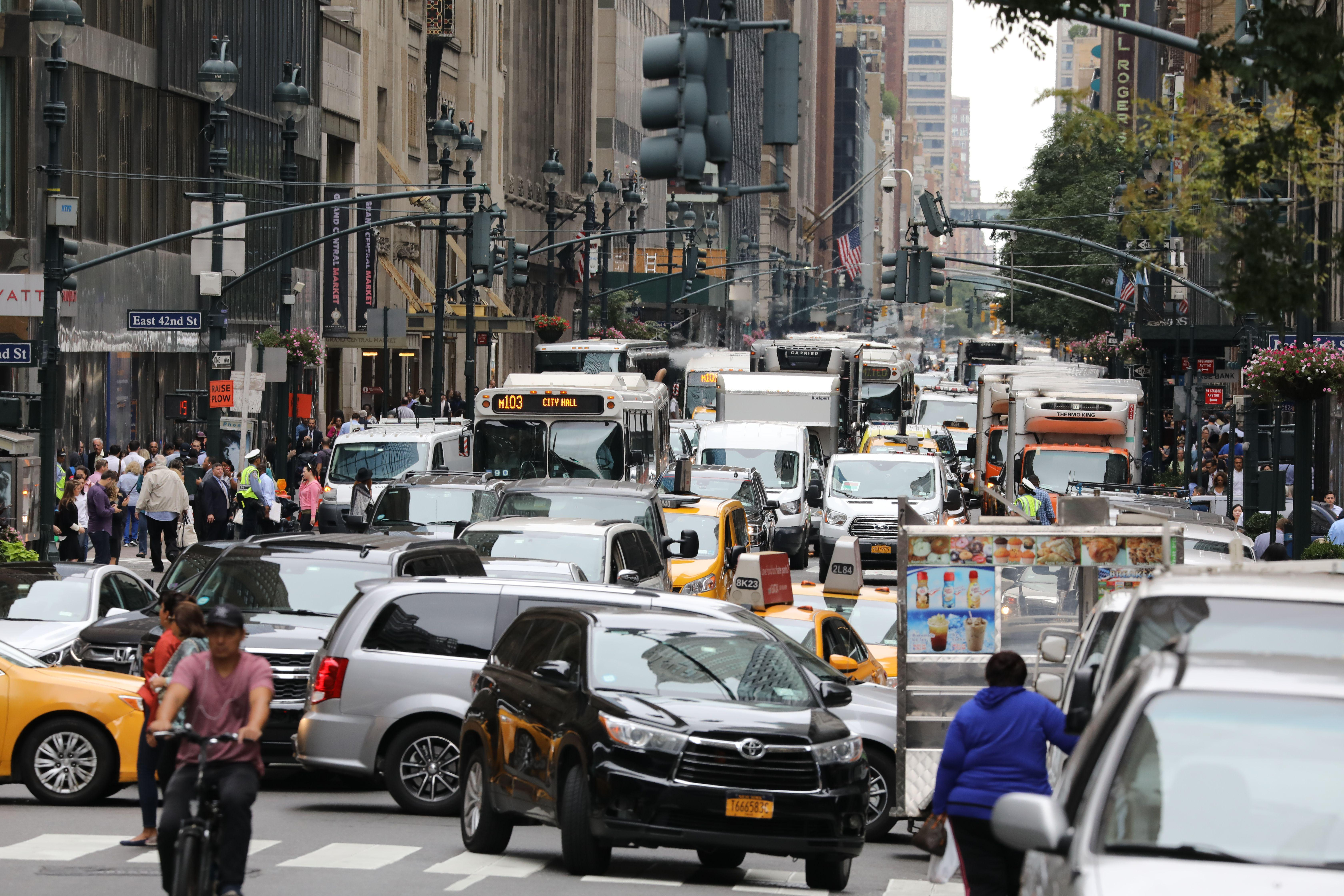 A picture taken on September 18, 2017 shows heavy traffic in the streets of New York the day before the opening of the 72nd session of the United Nations General Assembly. / AFP PHOTO / LUDOVIC MARIN        (Photo credit should read LUDOVIC MARIN/AFP/Getty Images)
