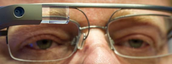 Blogger Robert Scoble wearing Google Glass.
