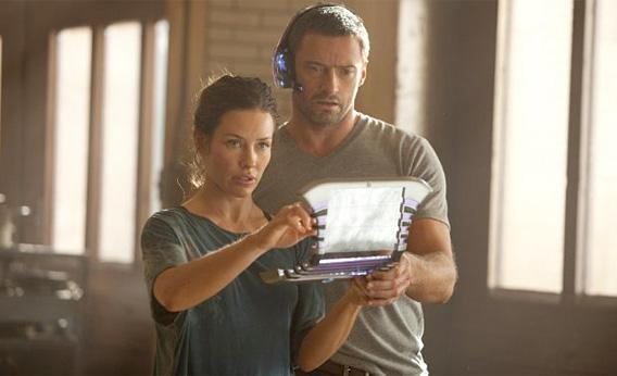 Still of Hugh Jackman and Evangeline Lilly in Real Steel.