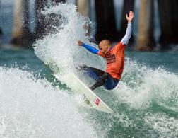 Kelly Slater. Click image to expand.
