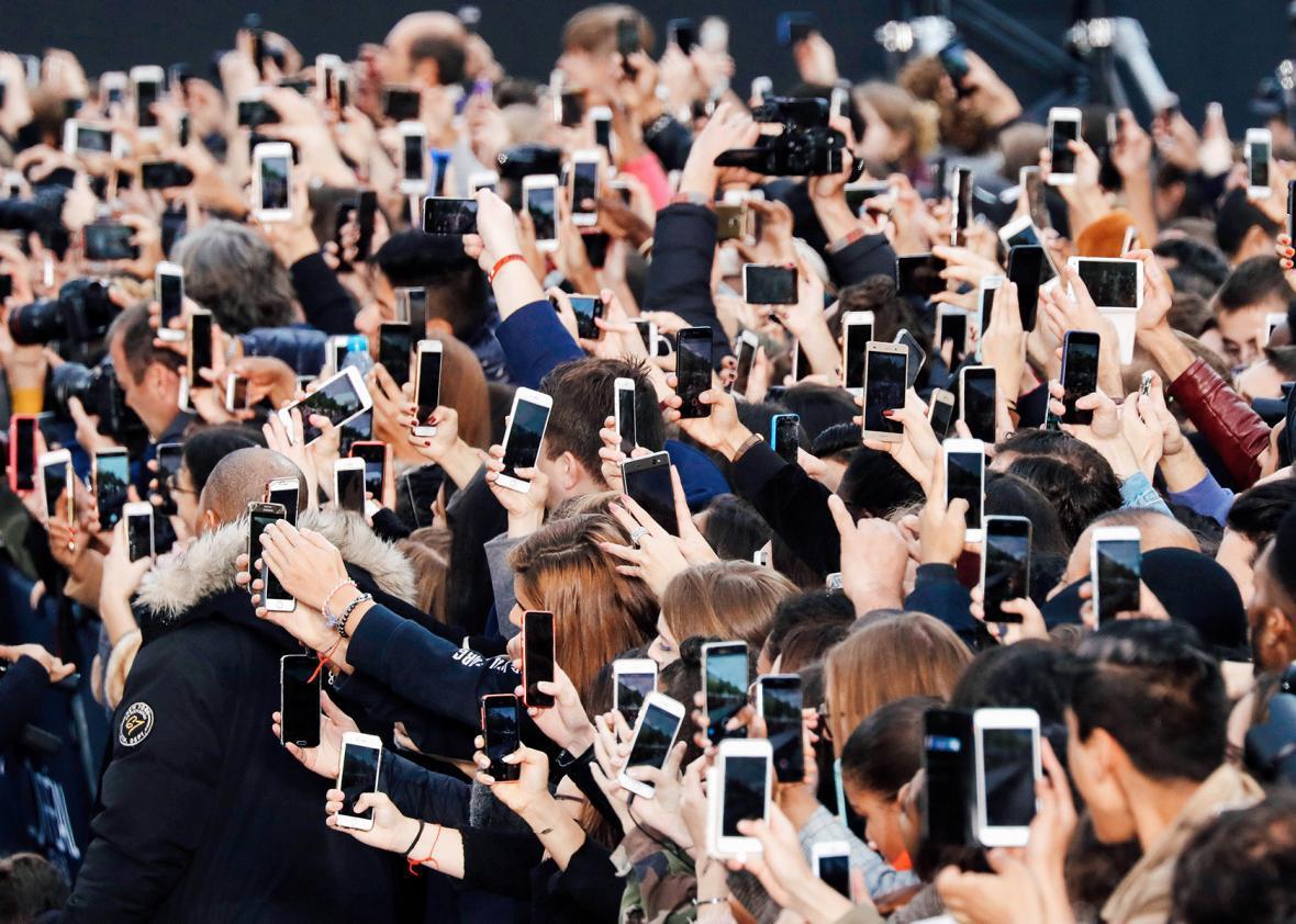 Smartphones Champs Elysees