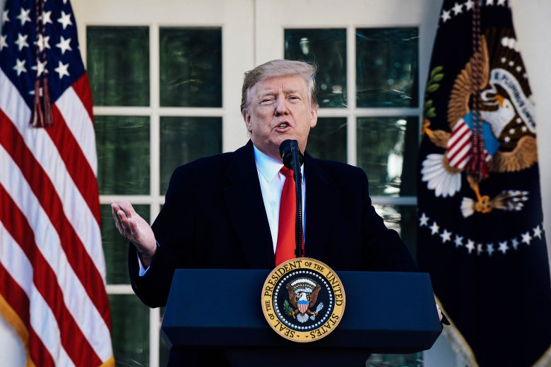"""President Donald Trump speaks in the White House Friday in Washington. """"Srcset ="""" https://compote.slate.com/ images / 1c476ad4-4f0a-46b3-869e-70bd1d61ba3f.jpeg? width = 780 & height = 520 & rect = 1560x1040 & offset = 0x0 1x, https://compote.slate.com/images/1c476ad4-4f0a-46b3-869e-70bd1d61ba3f.jpeg?width"""