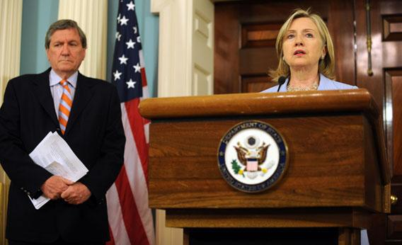 US Secretary of State Hillary Clinton (R) with Special Envoy to Afghanistan, Ambassador Richard Holbrooke.