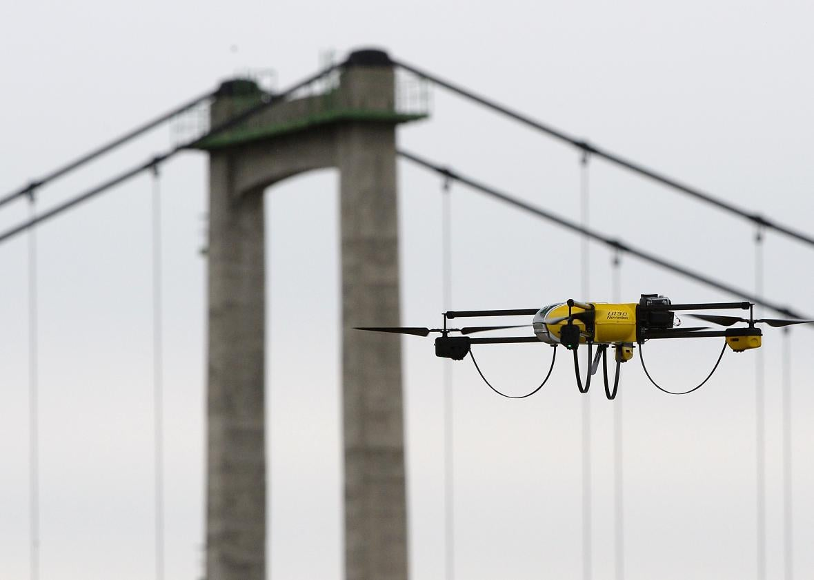 FAA considering drone license plates as close encounters