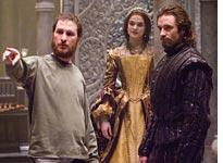 Darren Aronofsky discusses a scene with Rachel Weisz and Hugh Jackman in The Fountain          Click image to expand.