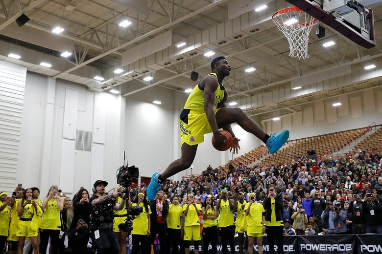 ATLANTA, GA - MARCH 26:  Zion Williamson of Spartanburg Day School attempts a dunk during the 2018 McDonald's All American Game POWERADE Jam Fest at Forbes Arena on March 26, 2018 in Atlanta, Georgia.  (Photo by Kevin C. Cox/Getty Images)