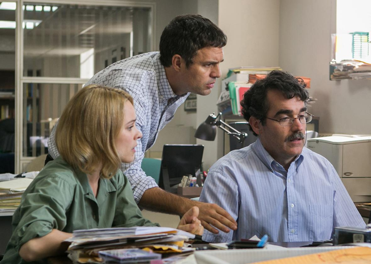 Rachel McAdams, Mark Ruffalo, and Brian d'€™Arcy James in SPOTLIGHT.