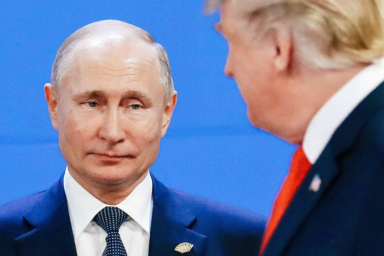 Trump looking at Putin.