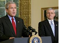 Bush and new chief of staff Josh Bolten          Click image to expand.