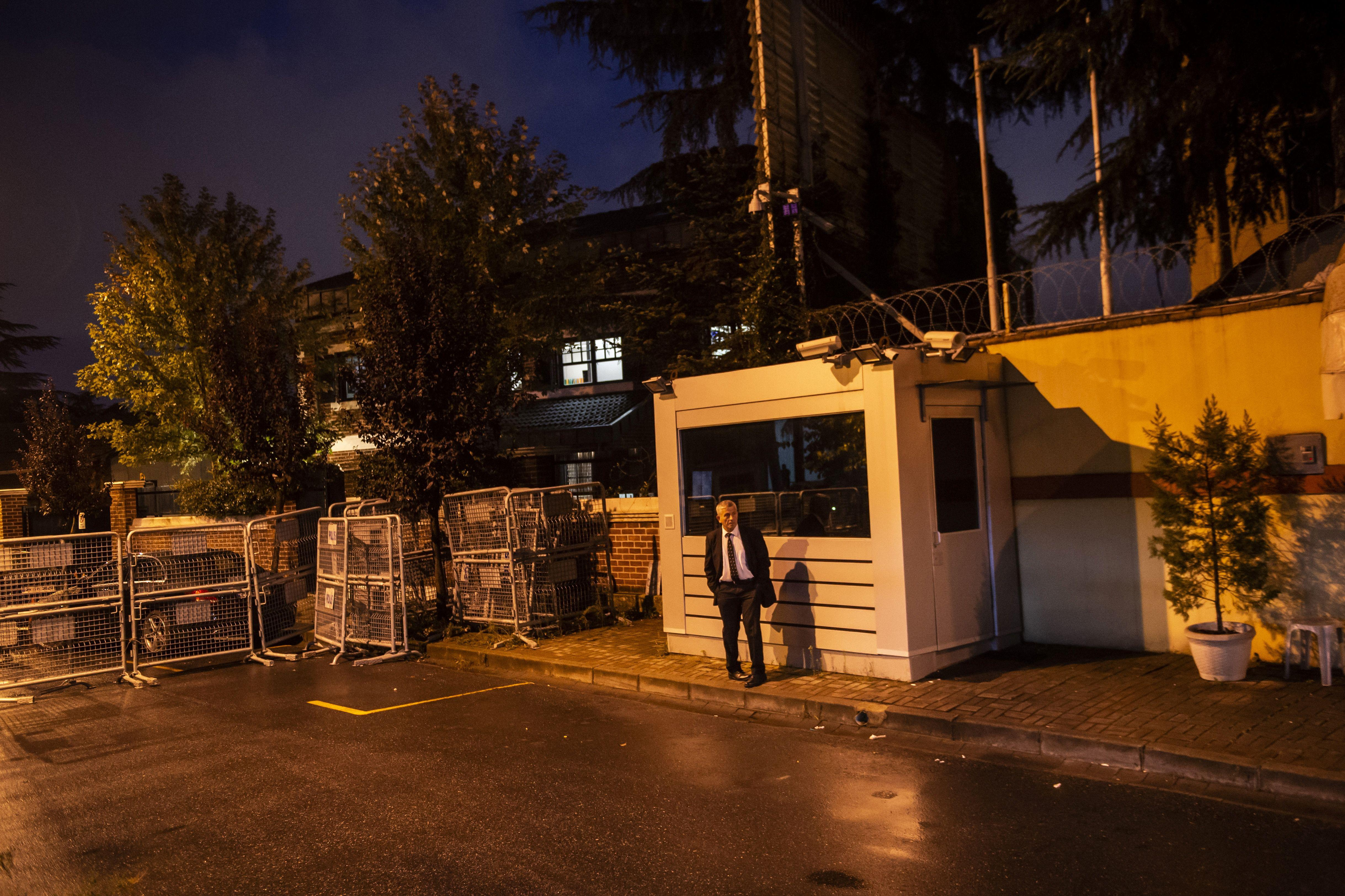 A security staff member guards the entrance of the Saudi Arabian consulate on October 11, 2018 in Istanbul.
