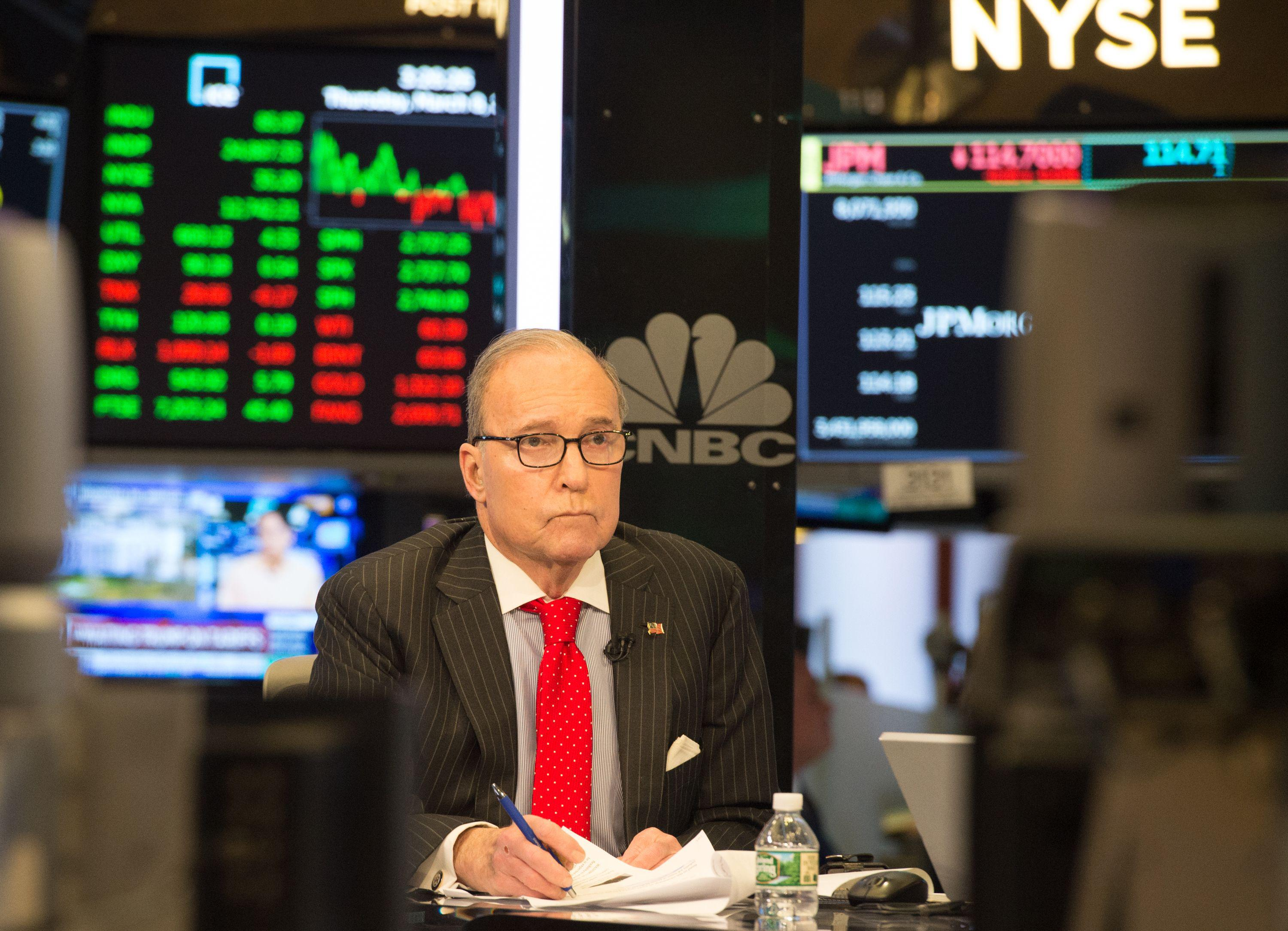 US conservative commentator and economic analyst Larry Kudlow speaks on the set of CNBC at the closing bell of the Dow Industrial Average at the New York Stock Exchange on March 8, 2018 in New York.  / AFP PHOTO / Bryan R. Smith        (Photo credit should read BRYAN R. SMITH/AFP/Getty Images)