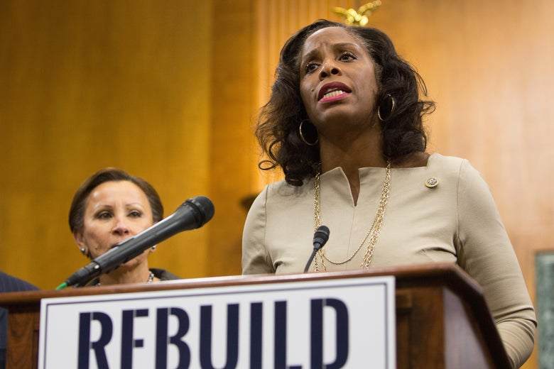 "Stacey Plaskett participates in a press conference on November 28, 2017 in Washington ""srcset ="" https://compote.slate.com/images/27ea0831-ce25-4880-afc7-b6365cad9f95.jpeg?width=780&height=520&rect=4372x2915&offset = 1028x362 1x, https://compote.slate.com/images/27ea0831-ce25-4880-afc7-b6365cad9f95.jpeg?width=780&height=520&rect=4372x2915&offset=1028x362 2x"