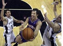 Spurs v. Suns. Click image to expand.