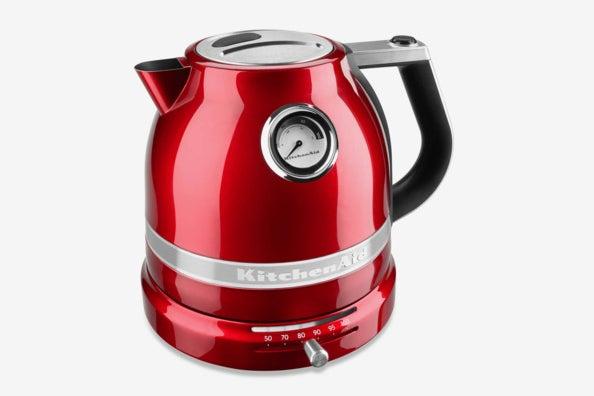 KitchenAid Pro Line 1.5 Liter Electric Kettle.