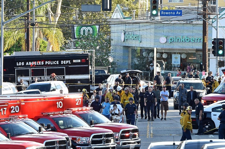 Hostage Standoff At Los Angeles Trader Joe S Ends With One Dead