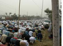 Worshippers during juma, or Friday, prayers at the Bishwa Ijetma. Click image to expand.