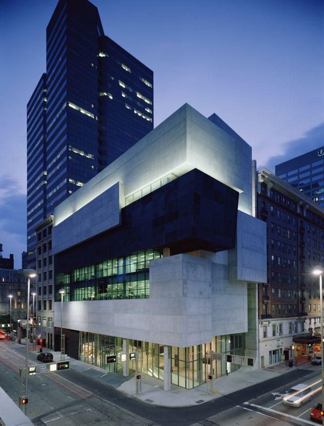Contemporary Arts Center, Cincinnati_photo Roland Halbe