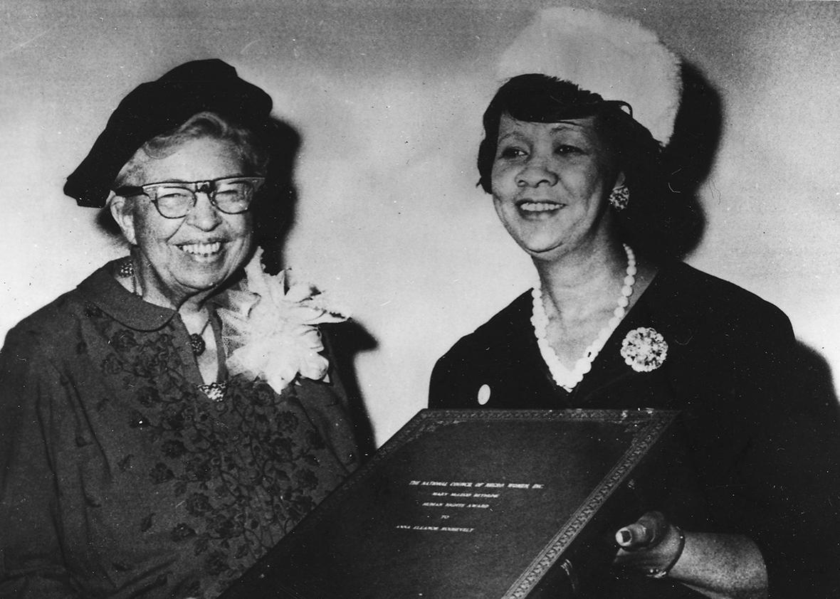 Eleanor Roosevelt receiving the Mary McLeod Bethune Human Rights Award from Dorothy Height, president of the National Council of Negro Women at the Council's Silver Anniversary Dinner in New York, November 12, 1960.