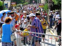 The Tour draws a decent crowd in Ax les Thermes
