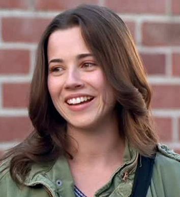 Linda Cardellini as Lindsay Weir.