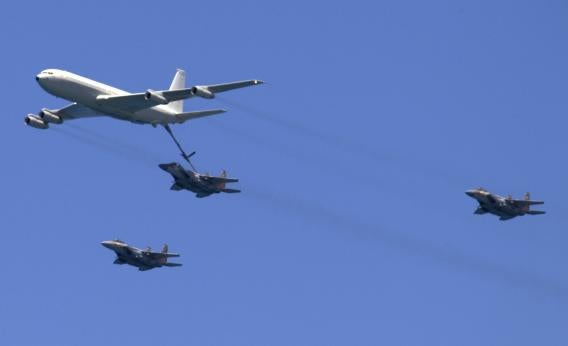 kc-135 and f-15s