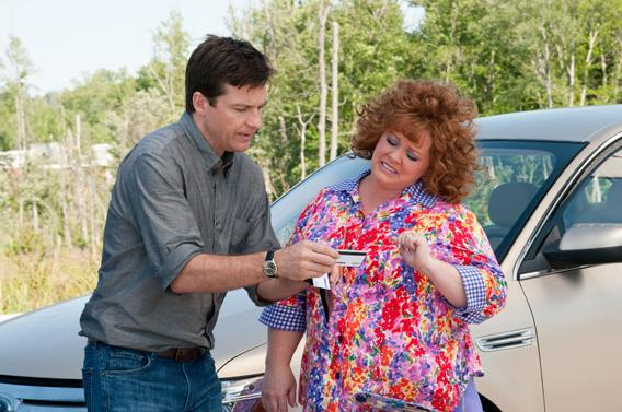 Jason Bateman as Sandy Patterson and Melissa McCarthy as Diana.