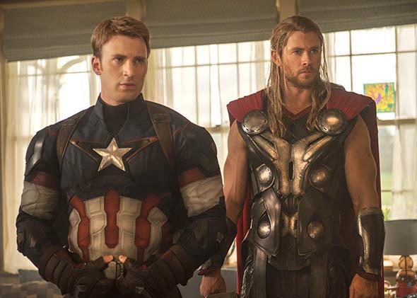Captain America/Steve Rogers (Chris Evans) and Thor (Chris Hemsw