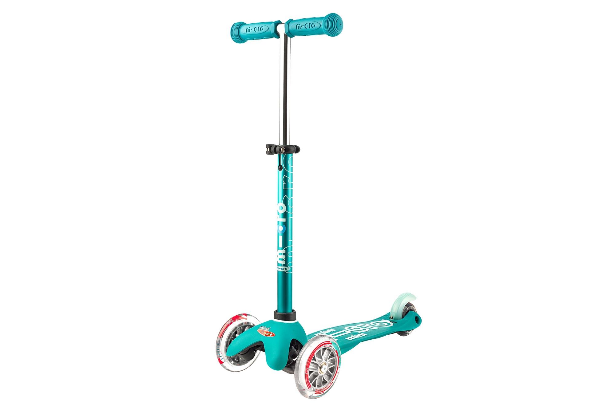 Micro Mobility Micro Mini Deluxe Scooter