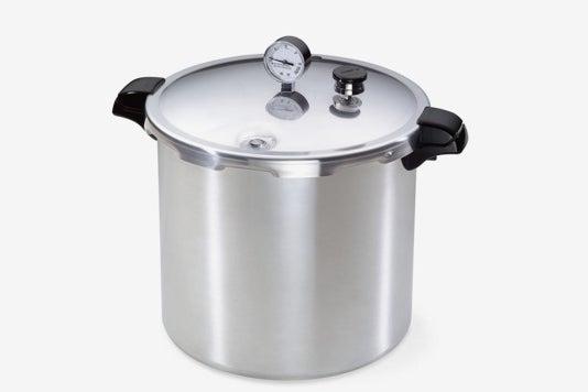 Presto 01781 23-Quart Pressure Canner and Cooker.