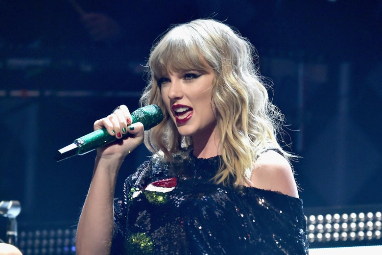 Taylor Swift performs onstage at the Z100's Jingle Ball 2017 on December 8, 2017 in New York City.  (Photo by Theo Wargo/Getty Images for iHeartMedia)