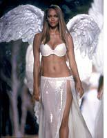 Angelic Tyra Banks stepping out