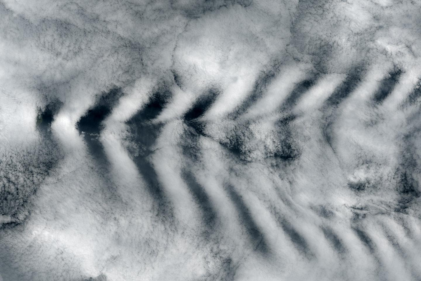 ship wave clouds
