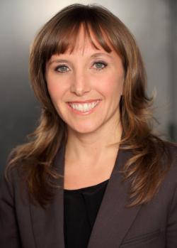 Author Kirsten Grind.