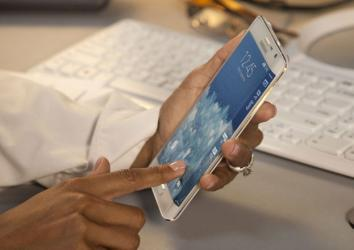Galaxy Note Edge right handed grip